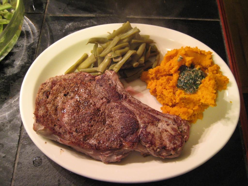 Grass fed Ribeye, kabocha squash puree with parsley pesto and green beans